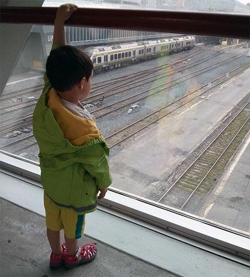 Train2a.jpg